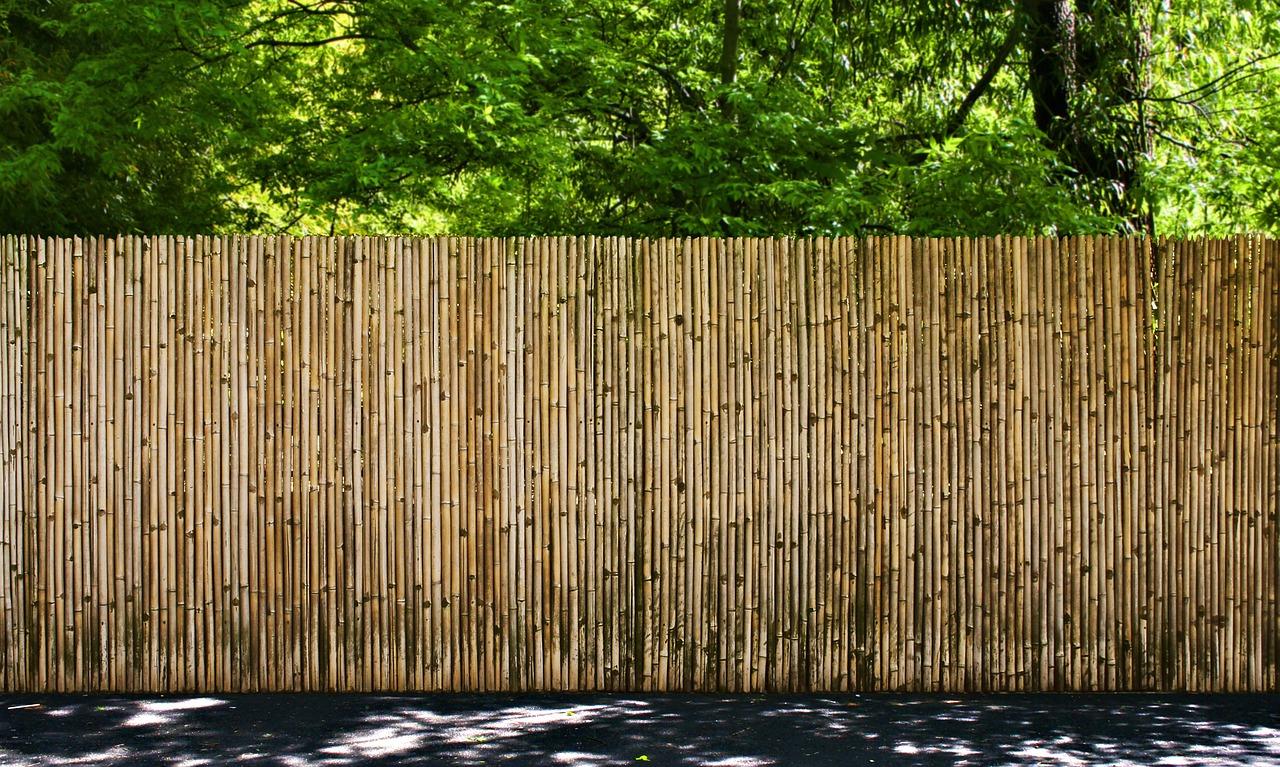 brise vue en toile bien choisir le brise vue id ale pour votre jardin. Black Bedroom Furniture Sets. Home Design Ideas