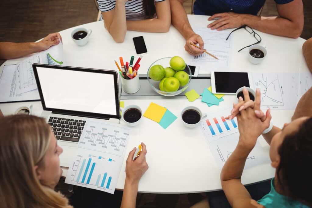 réunion pour élaborer le plan marketing