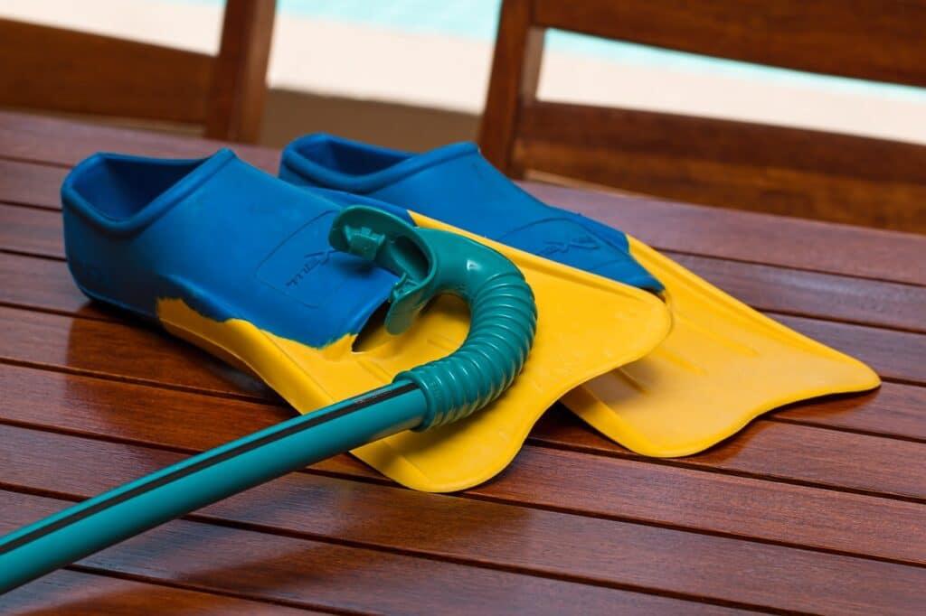 du matériel de natation pour les enfants