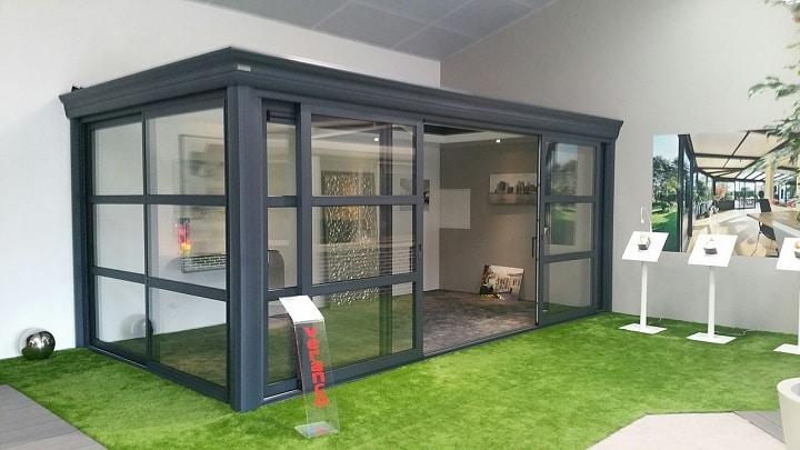 les bonnes raisons de choisir une v randa toiture plate. Black Bedroom Furniture Sets. Home Design Ideas